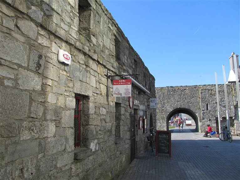Galway - Spanish Arch (4)